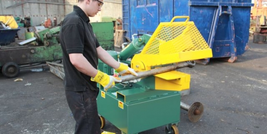 Hydraulic alligator shear