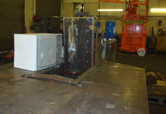 Hippo metal  baler with washing machine