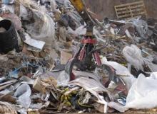 McIntyre Boa scrap metal handling grab