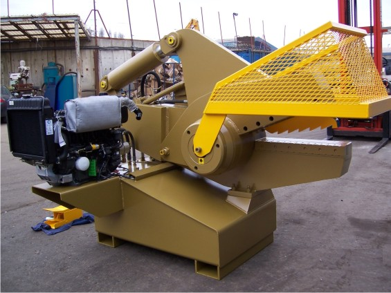 640 Diesel scrapyard shear