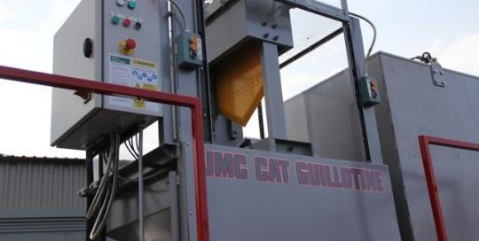 JMC catalytic converter guillotine