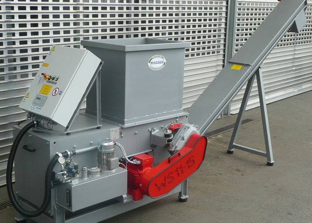 Wagner WS11 shredder with conveyor attachment