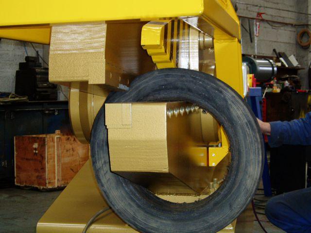 McIntyre 640 Shear cutting tyre