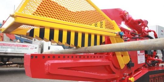 Hydraulic alligator shear the McIntyre 900